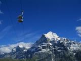 Cable Car and Mt Wetterhorn, Grindelwald, Bernese Oberland, Switzerland Impressão fotográfica por Hans Peter Merten