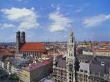 Elevated View of Frauenkirche, Munich, Germany Impressão fotográfica por Hans Peter Merten