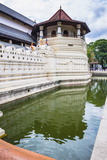 Temple of the Sacred Tooth Relic (Temple of the Tooth) (Sri Dalada Maligawa) in Kandy Reproduction photographique par Matthew Williams-Ellis