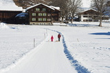 Winter Walking Trail, Klosters, Graubunden, Swiss Alps, Switzerland, Europe Reproduction photographique par Christian Kober
