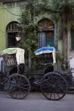 Rickshaw on the Street, Kolkata (Calcutta), West Bengal, India, Asia Impressão fotográfica por Bruno Morandi