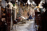 The Souks in the Medina, Marrakesh, Morocco, North Africa, Africa Reproduction photographique par Jean-Pierre De Mann