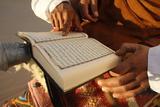 Tunisian Bedouin Reading the Koran, Douz, Tunisia, North Africa, Africa Stampa fotografica di  Godong