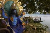 Hindu Statue and the Hooghly River, Part of the Ganges River, West Bengal, India, Asia Impressão fotográfica por Bruno Morandi