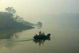 Boat on the Hooghly River, Part of Ganges River, West Bengal, India, Asia Impressão fotográfica por Bruno Morandi