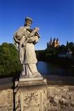 Statue on the Old Lahn-Bridge and a Cathedral in Limburg, Germany Impressão fotográfica por Hans Peter Merten