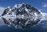Mountain Peaks, Lemaire Channel, Antarctica Fotografisk tryk