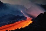 Lava Flowing from Mount Etna Impressão fotográfica por Roger Ressmeyer