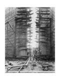 Worker on Panama Canal Lock Lámina giclée