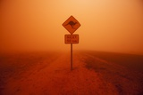 Kangaroo Crossing Sign in Dust Storm in the Australian Outback Fotografie-Druck von Paul Souders