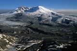 Ash Filled Valley Near Mount St. Helens Stampa fotografica di Paul Souders