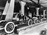 Model T Chassis in Highland Park Ford Plant Lámina fotográfica