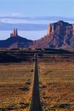 Road Through Monument Valley Navajo Tribal Park Fotografisk tryk af Paul Souders