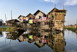 Houses Built on Stilts in the Village of Nampan on the Edge of Inle Lake Reproduction photographique par Lee Frost