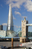 The Shard and Tower Bridge, London, England, United Kingdom, Europe Lámina fotográfica por Miles Ertman