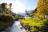 Ramsau Church in Autumn, Ramsau, Near Berchtesgaden, Bavaria, Germany, Europe 写真プリント : マイルス・アートマン