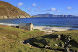 Keem Beach on Achill Island, County Mayo, Connaught (Connacht), Republic of Ireland, Europe Fotografisk tryk af Richard Cummins