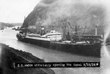 SS Ancon at the Opening of the Panama Canal Lámina fotográfica