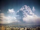 Mount Vesuvius Erupting Reproduction photographique
