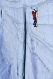 Ice Climbing in the Bernes Oberland, Swiss Alps Fotografisk trykk av Robert Boesch