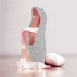 Ballet shoes Affiches par  Blonde Attitude