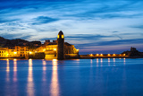 Collioure's Bay and a Lighthouse Converted to Notre-Dame-Des-Anges Church, Collioure, France Reproduction photographique par Nadia Isakova