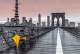 Brooklyn Bridge Umbrella Poster di Assaf Frank