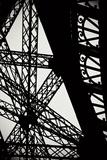 Eiffel Tower Latticework II Reproduction photographique par Erin Berzel