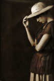 Sad Woman in a Hat 2 Reproduction photographique par Ricardo Demurez