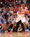 Oct 30, 2013, Charlotte Bobcats vs Houston Rockets - Dwight Howard Photographie par Bill Baptist
