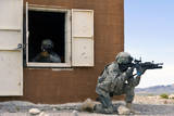 Security Forces Airmen Guard a Building During Training Fotoprint