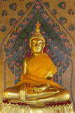 Gold Buddha Statue in Wat Arun (The Temple of Dawn), Bangkok, Thailand, Southeast Asia, Asia 写真プリント : スチュアート・ブラック