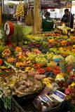 Fruit and Vegetable Stall at Campo De Fiori Market, Rome, Lazio, Italy, Europe Reproduction photographique par Peter Barritt