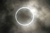 The Moment of the Annular Eclipse of the Sun Is Seen in Tokyo, Japan Fotografie-Druck von Kimimasa Mayama