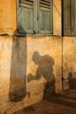 A Boxers Shadow Fotografie-Druck von Tugela Ridley