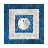 Sea Shell I on Blue Kunstdrucke von Belinda Aldrich