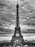 Eiffel Tower, Paris, France - Black and White Photography Fotografisk tryk af Philippe Hugonnard