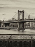 Manhattan Bridge with the Empire State Building from Brooklyn Fotografie-Druck von Philippe Hugonnard