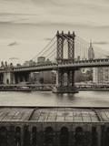 Manhattan Bridge with the Empire State Building from Brooklyn Fotoprint van Philippe Hugonnard