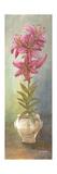 2-Up Lily Vertical Kunstdrucke von Wendy Russell