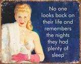 Plenty of Sleep Tin Sign Placa de lata