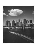 White Cloud over Brooklyn Bridge Boat Fotografie-Druck von Henri Silberman