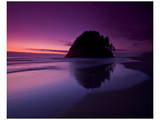 Rock and Red Sunset Posters par Richard Desmarais