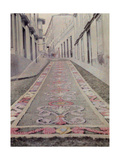 A Town's Street Is Covered by a Detailed Floral Carpet Fotoprint av Wilhelm Tobien