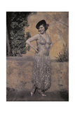 A Photograph of a Spanish Dancer Posing in Her Costume Fotoprint av Wilhelm Tobien