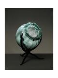 Witches Cauldron, Green Blown Glass Vase with Rib Molding, Ca 1910 Impressão giclée por Umberto Boccioni