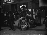 Italian Bread Peddlers, Mulberry St., New York, C.1900 Valokuvavedos