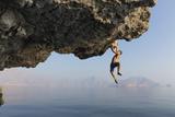 A Climber Dangles from an Overhang Fotografie-Druck von Jimmy Chin