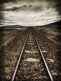 The Long Lines a Train Railway in the Desert of Sw Bolivia Reproduction photographique par Patrick Brandenburg