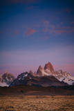 First Light Hits Cerro Torre and Mount Fitz Roy in Los Glacieres National Park, Argentina Lámina fotográfica por Jay Goodrich